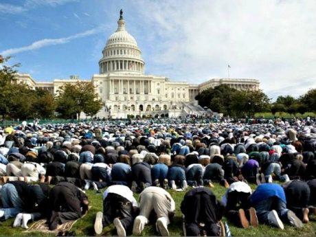 muslims-pray-at-white-house-evan-vucci-ap-photo-640x480-640x480